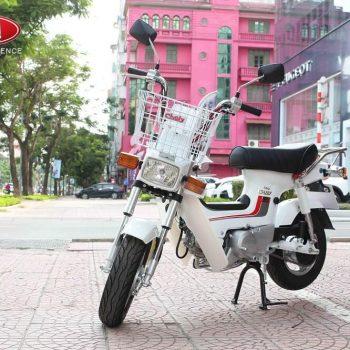 Xe máy chaly 50cc màu trắng